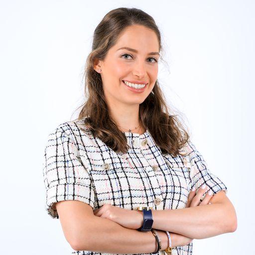 Dr. Tara (Dermatologist)